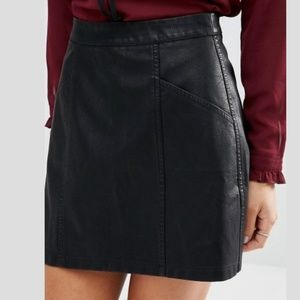 NWT New Look Faux Leather Mini Skirt